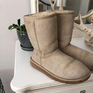 UGG Australia Boots in Classic Tan